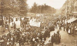 kiesrechtdemonstratie-in-amsterdam-op-17-september-1916